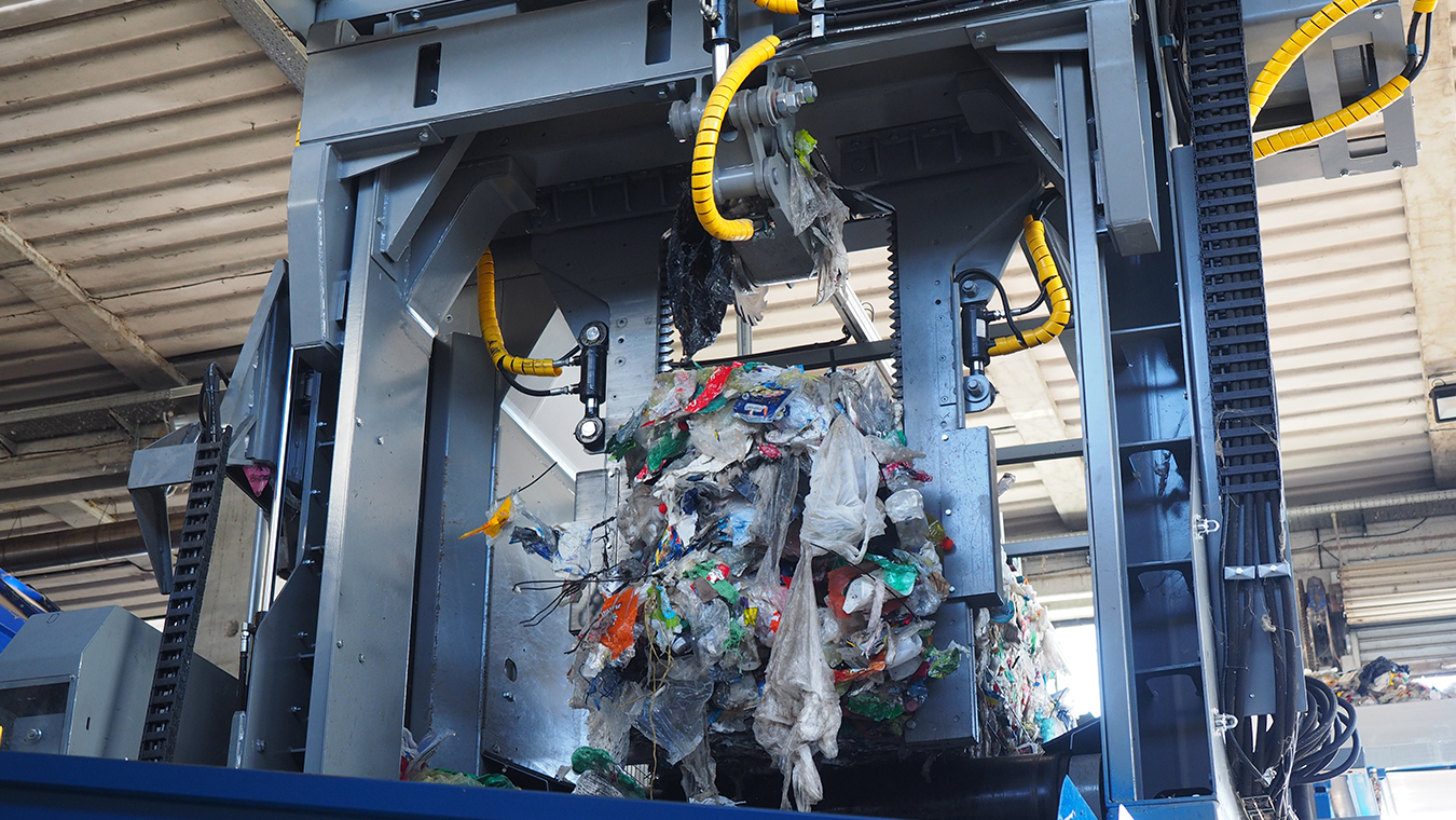 Plastic recycling automation